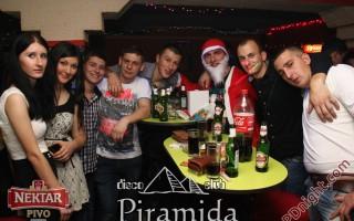 Doček Nove godine 2014, Disco club Piramida Busnovi